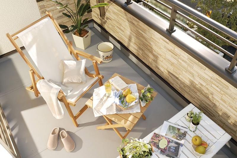 最上階のルーフバルコニーは、地上6mのパノラマガーデン。家族でのベランピングや日光浴などを思う存分、楽しめます